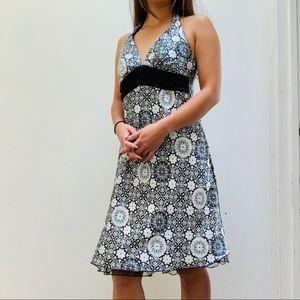 Speechless Black & White Halter V-Neck Dress 3
